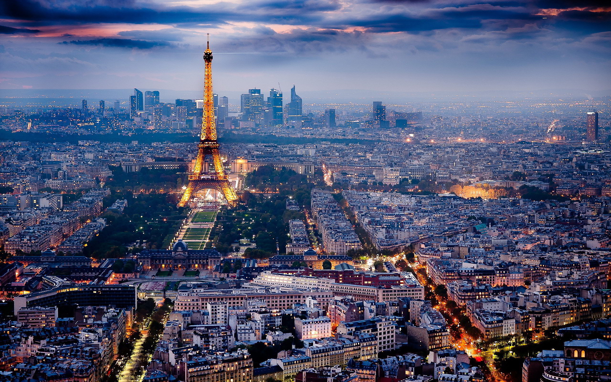 10 songs to listen to when walking the streets of paris. Black Bedroom Furniture Sets. Home Design Ideas