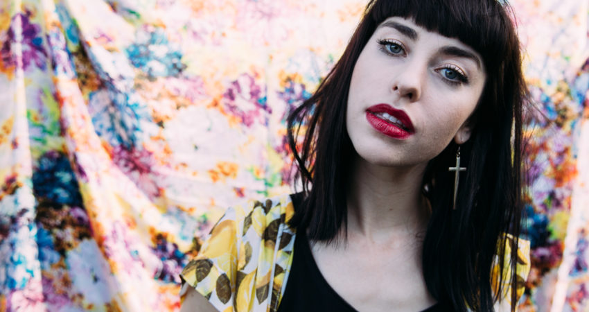 "Kimbra releases ""Sweet Relief"" and covers Frank Ocean"